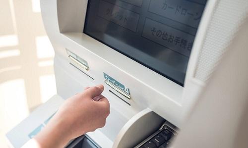 クレジットカード 作れない 車のローン 影響するのでしょうか?