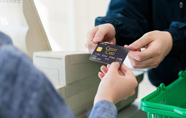 クレジットカード 育てる おすすめ 信頼を得るのがおすすめ
